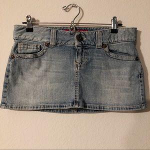 Guess light wash denim micro miniskirt